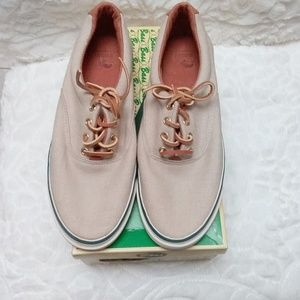 Vintage G. H. Bass Khaki Compass LaceUp Sneaker 9M